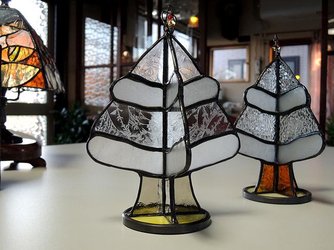 卓上サイズのステンドグラス製クリスマスツリー2タイプ