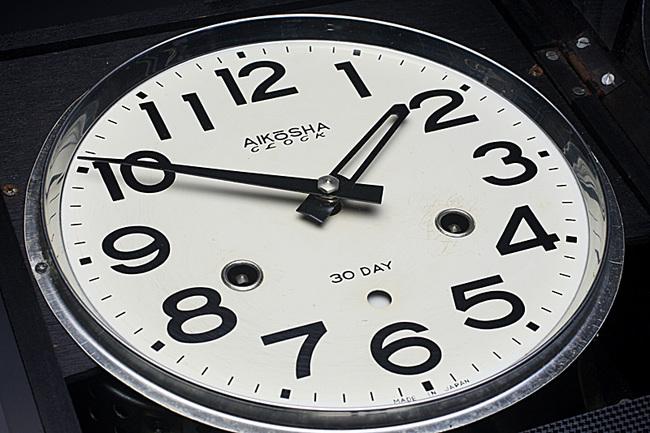 !AKIKOSHA(愛工舎)製 31DAY カレンダー 柱時計画像