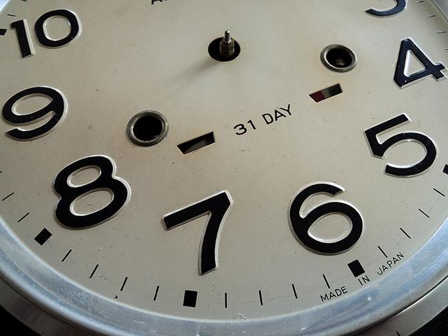 レトロ柱時計 AIKOSHA(愛工舎)製31 Day文字盤拡大