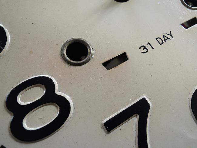 レトロ柱時計 AIKOSHA(愛工舎)製31 Day浮き出し加工