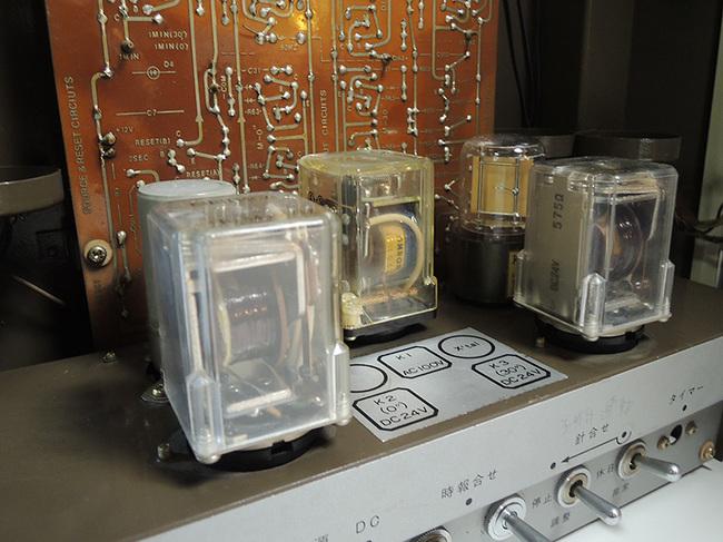ちょっと珍しいセイコー製(SEIKO)の電気式掛け時計