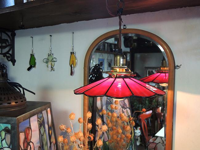 ステンドグラス製 レトロ電傘・アンティークレッド