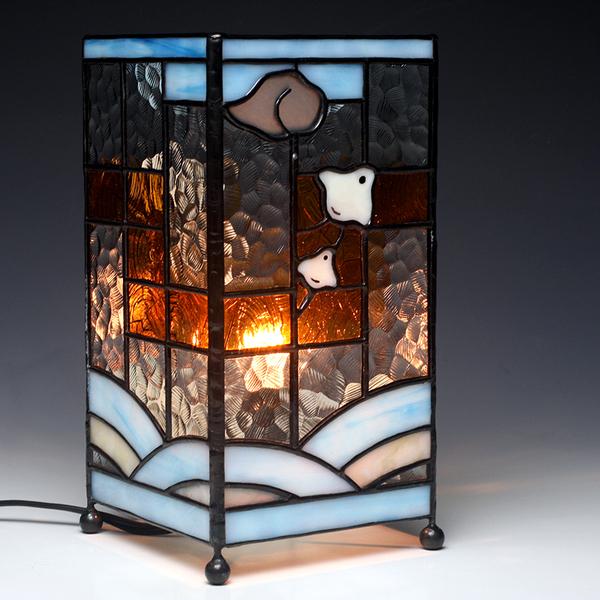 ステンドグラス製 波千鳥柄の行燈(あんどん)