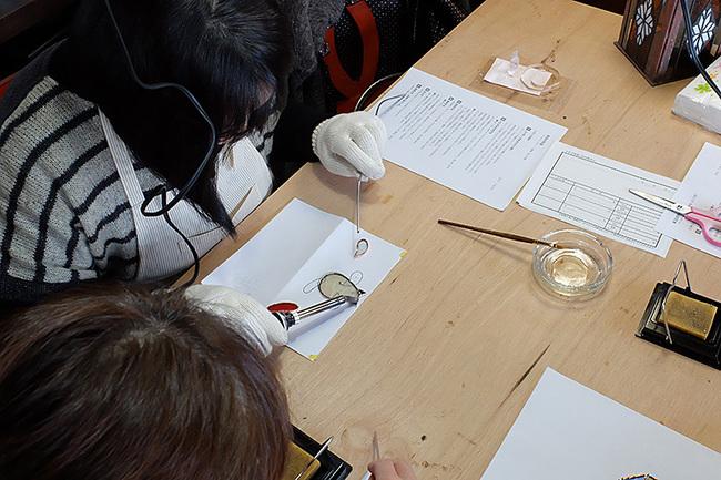 新潟市秋葉区・ステンドグラス体験教室
