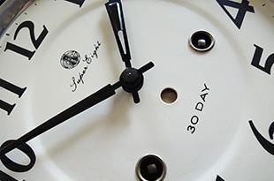 懐かしい!レトロ柱時計のイメージ