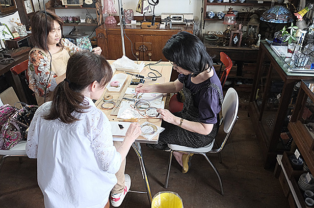 ステンドグラス制作・体験教室-新潟市秋葉区