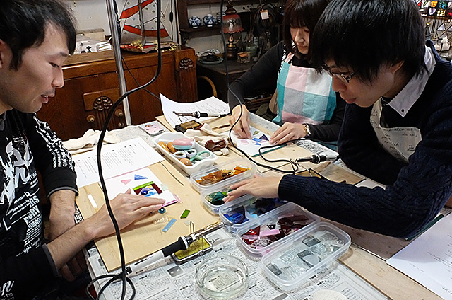 ステンドグラスオーナメント作り・体験教室新潟市秋葉区