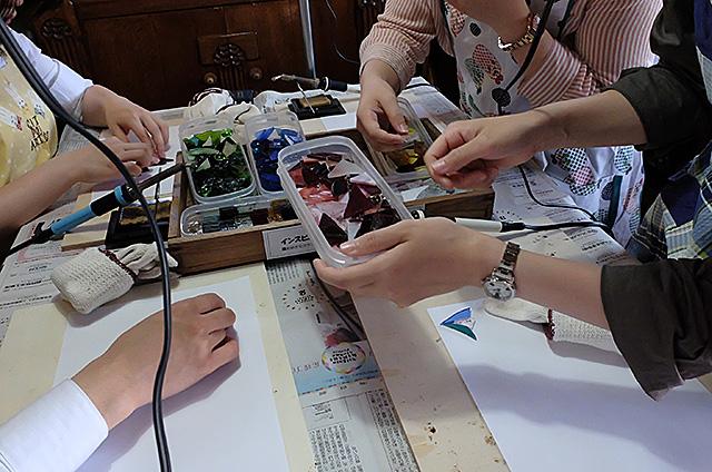 新潟市Amieseアミーゼ・ステンドグラス体験教室の様子20160522-02